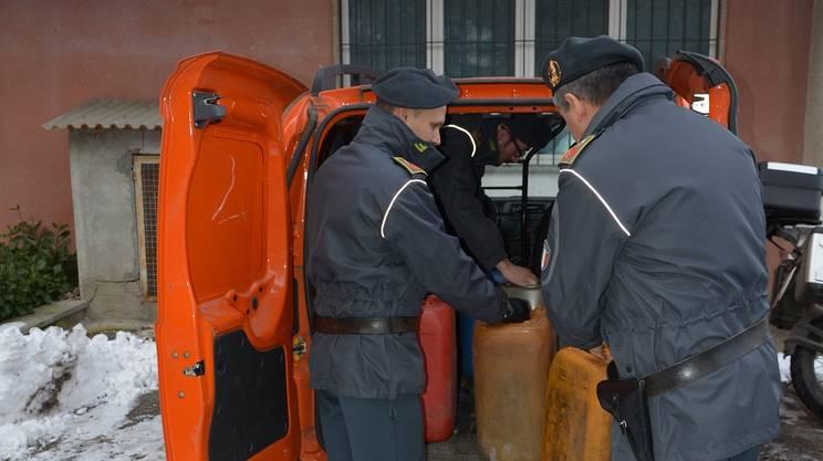 Contrabbando di carburante, uno dei mezzi sequestrati