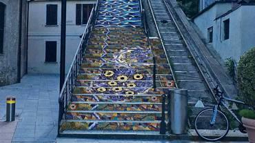 Un mosaico per la scalinata