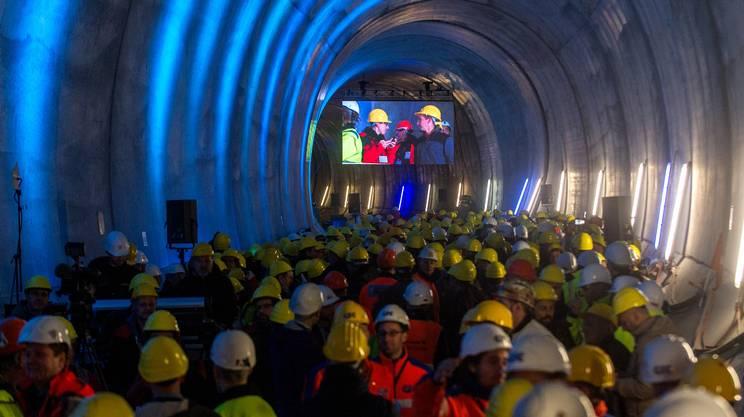 Gli ospiti seguiranno l'evento su schermi giganti all'interno del tunnel