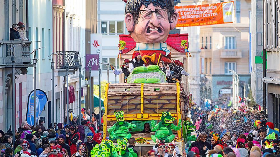 La parata di Nebiopoli