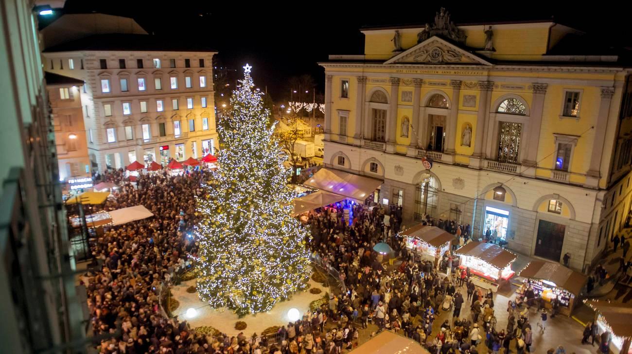 Lugano Natale.In 100 000 A Lugano Per Natale Rsi Radiotelevisione Svizzera