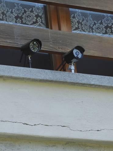 Il sistema di videosorveglianza che proteggeva la casa in cui è stata trovata la droga