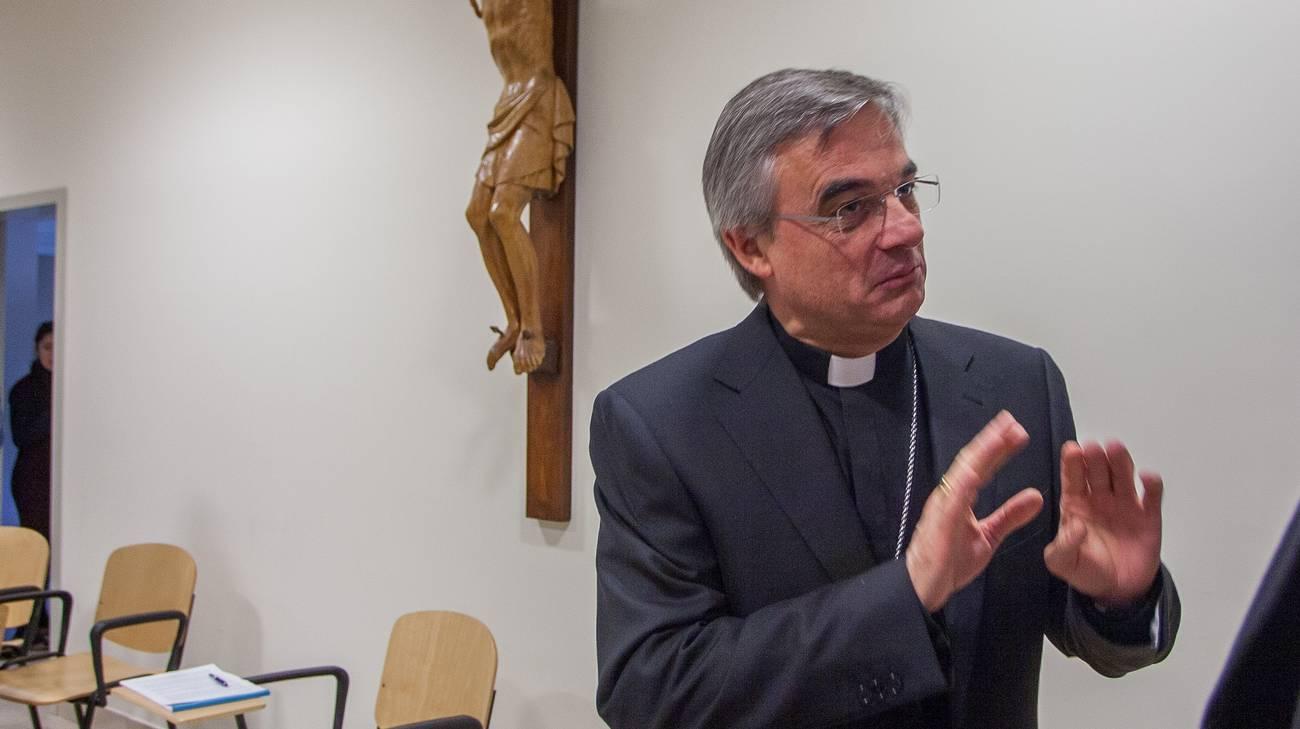 Il vescovo Valerio Lazzeri