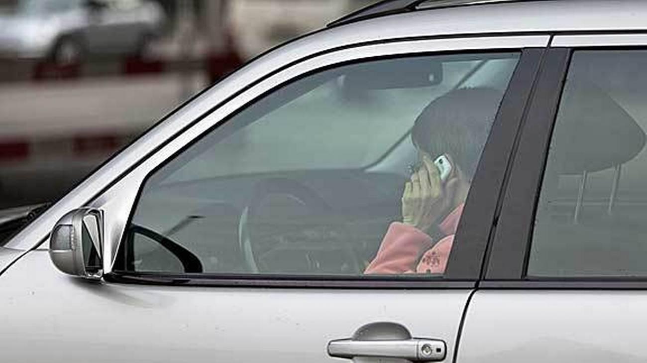 Incrementati gli sforzi per lottare contro l'uso dei cellulari al volante