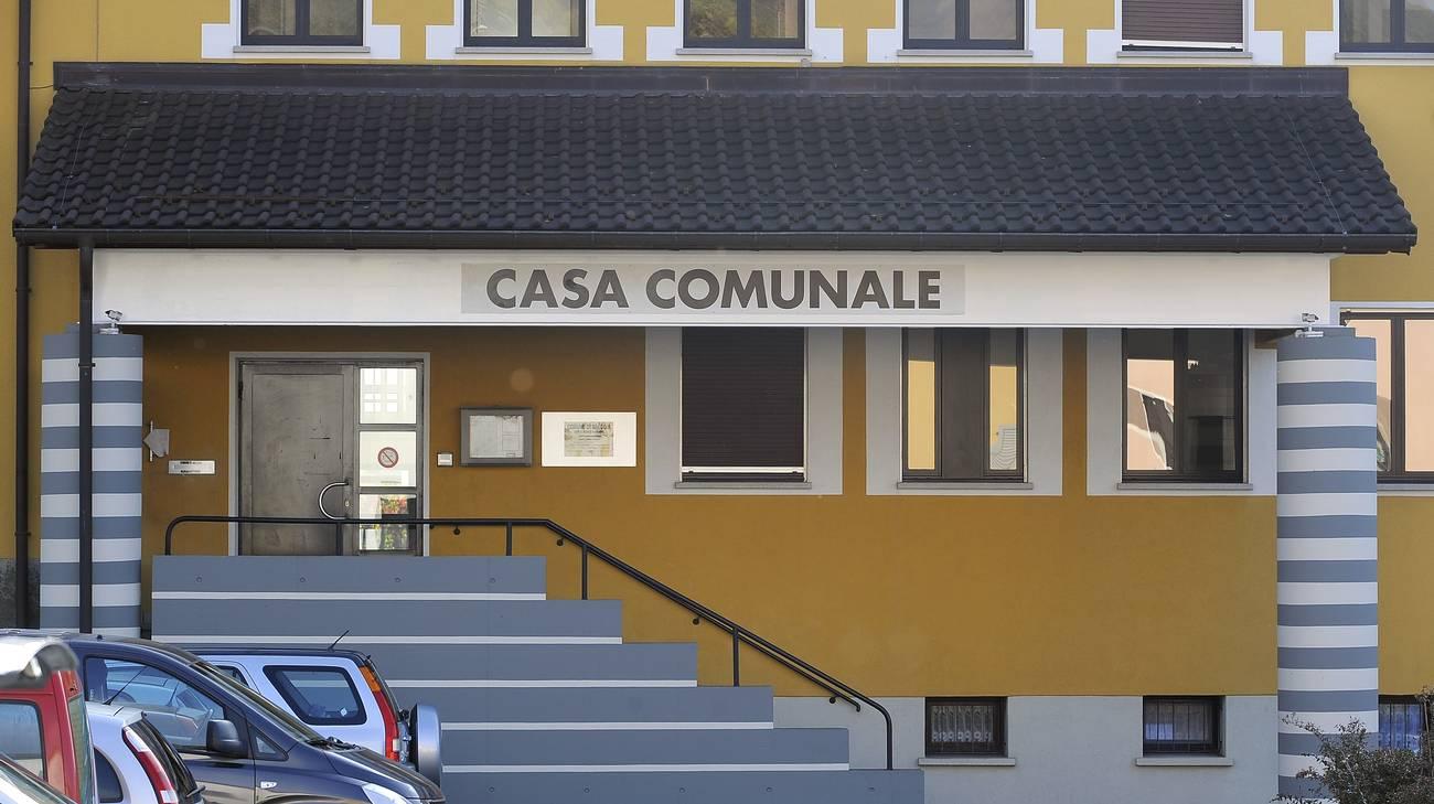 Truffa aggravata per l ex contabile rsi radiotelevisione for Casa comunale
