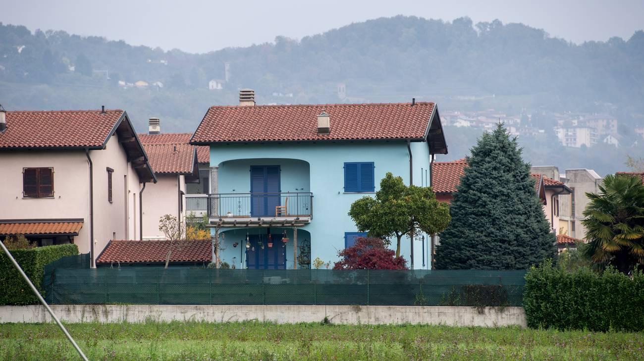 La casa dove abitava la maestra uccisa nel 2016