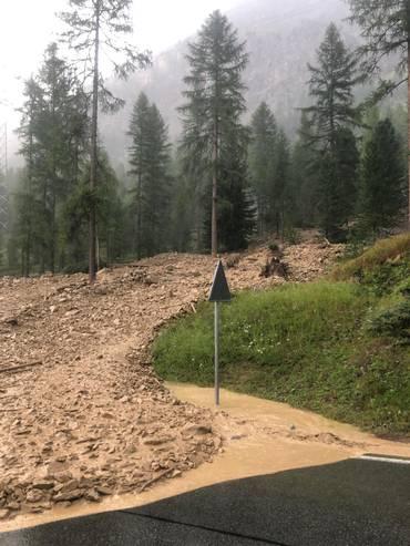 La colata è stata provocata dalle forti piogge