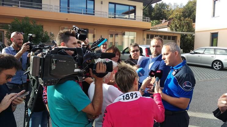 La conferenza stampa della polizia sabato, dopo il fatto di sangue a Brissago