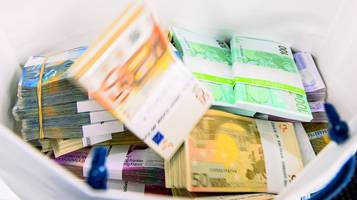 Fiduciario a giudizio rsi radiotelevisione svizzera for Permesso di soggiorno svizzera