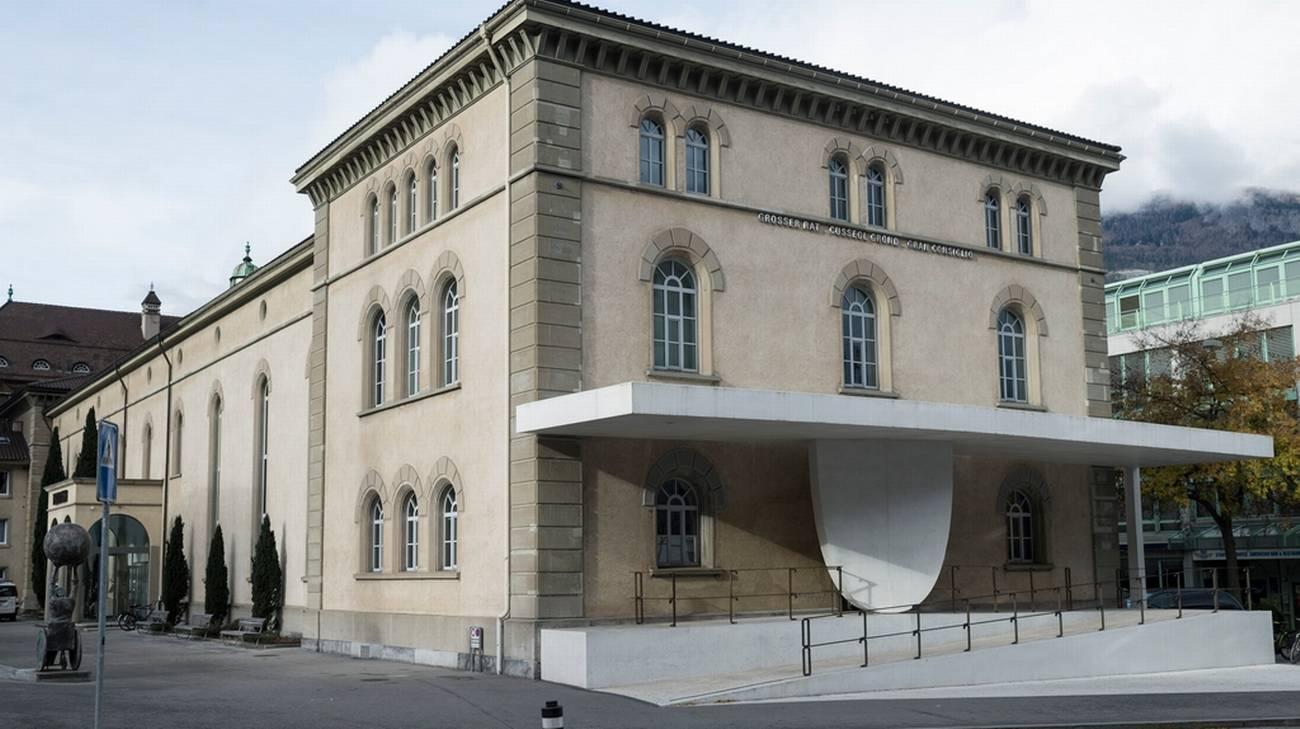 Coira sostiene il turismo rsi radiotelevisione svizzera for Sede del parlamento