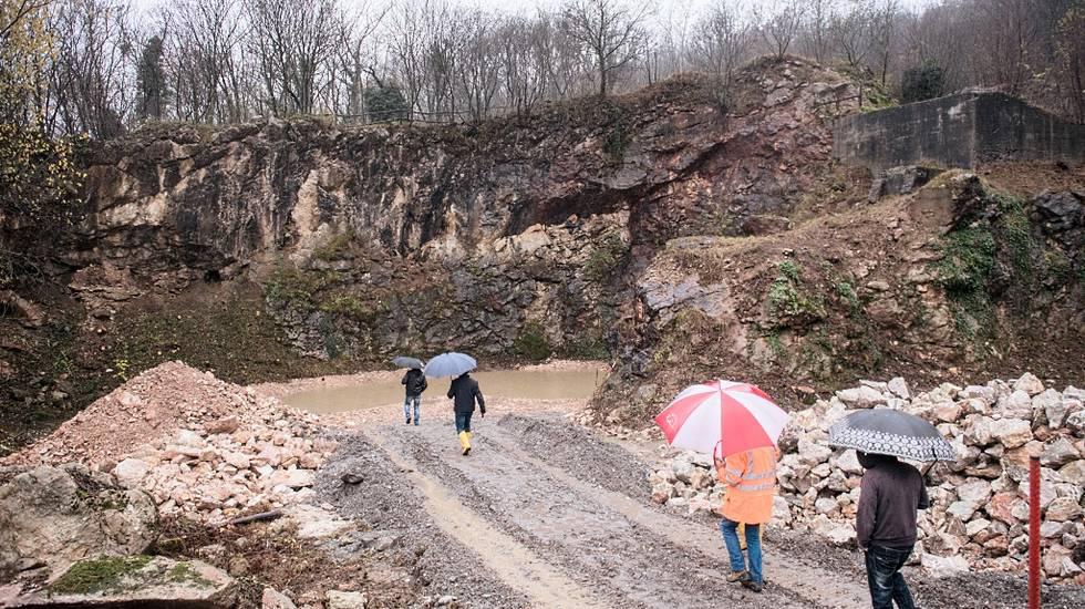 L'avvio del cantiere per far rivivere le cave di marmo ad Arzo