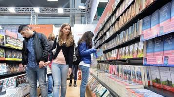 Risultati immagini per milano chiudono librerie rsi.ch