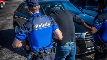 Poliziotti alla sbarra
