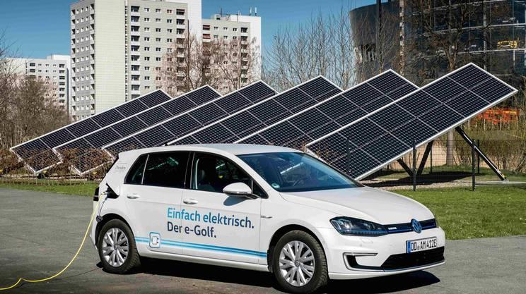 Volkswagen s'è gettata a capofitto nella mobilità elettrica con auto come l'e-Golf