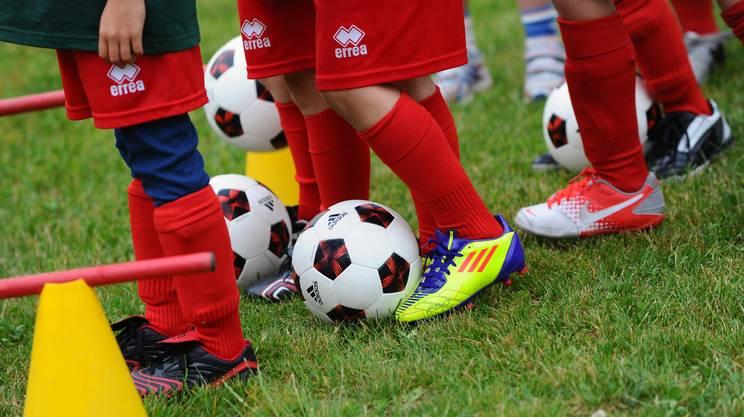Il calcio è un gioco, i bambini lo sanno. E gli adulti?