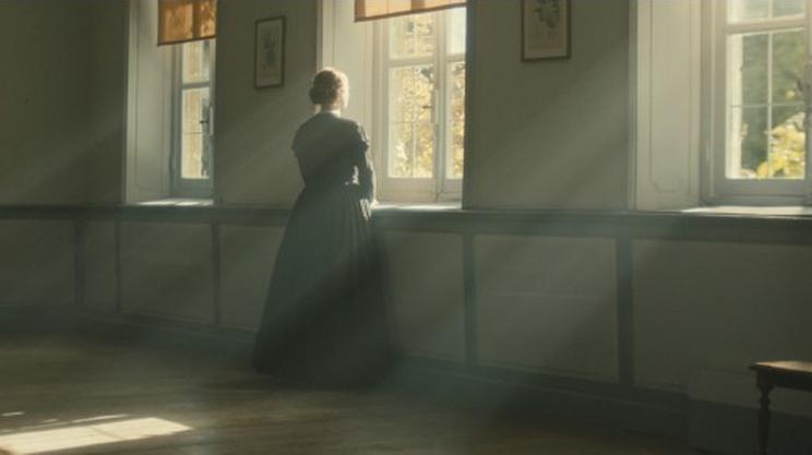 Emma Bell nei panni di Emily Dickinson da giovane