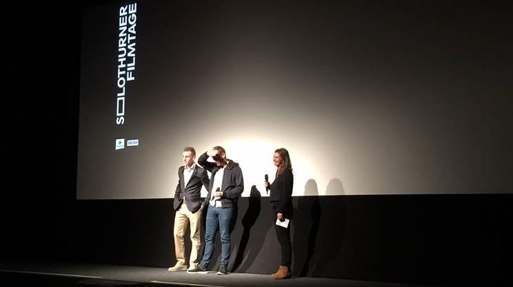 Kacey Mottet Klein e il regita Guillaume Senez sul palco