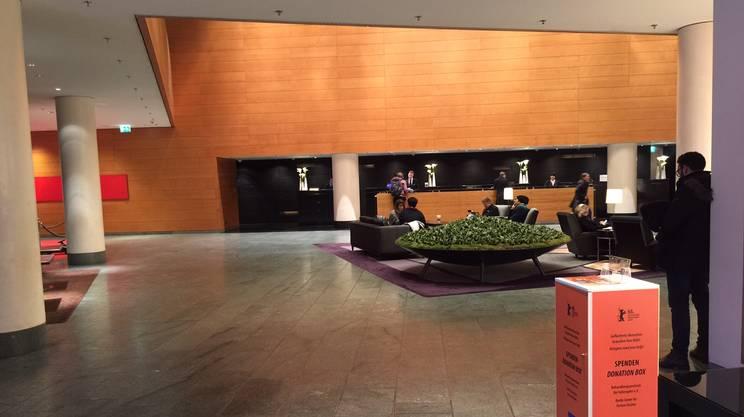 La hall dell'hotel che ospita tutte le conferenze stampa (10 febbraio ore 17)