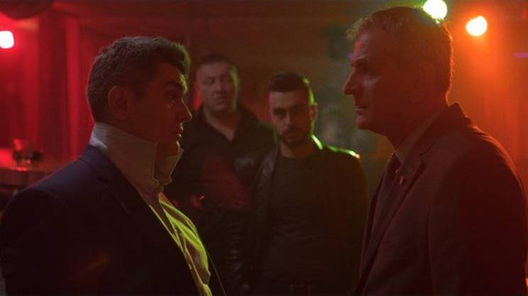 Il night club sotto l'albergo in una scena del film