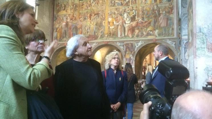 Con la moglie e, alle spalle, la signora Micaela Goren Monti