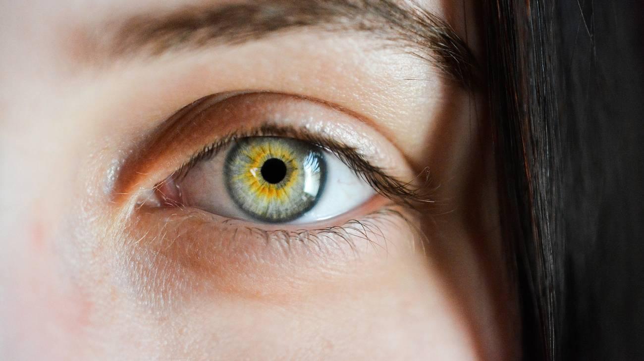 Il mini cerotto altamente tecnologico rilascia i farmaci direttamente nell'occhio