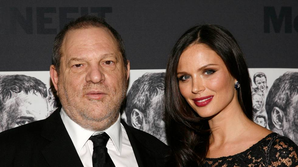 La moglie lascia Weinstein