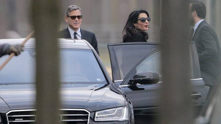 L'arrivo della coppia alla Cancelleria federale a Berlino