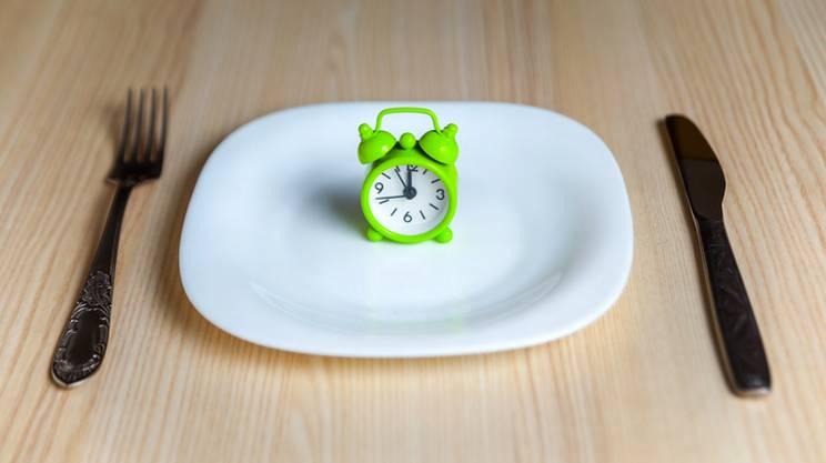 Le nuove frontiere della nutrizione: fra digiuni e ritmi circadiani