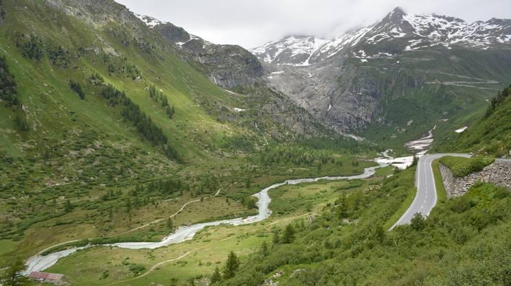 Alto Vallese, il ghiaccio che diventa fiume. Nasce il Rodano