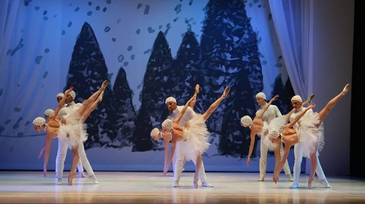 Lo Schiaccianoci col Balletto di Milano