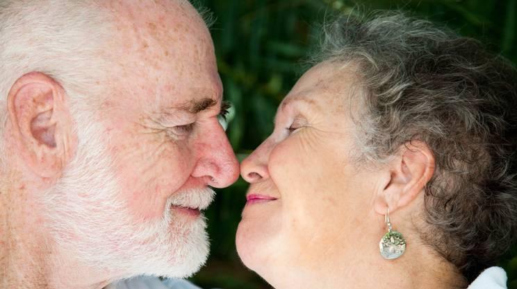 Baciare, Coppia senior, Vecchio, Relazione Di Coppia, Terza età