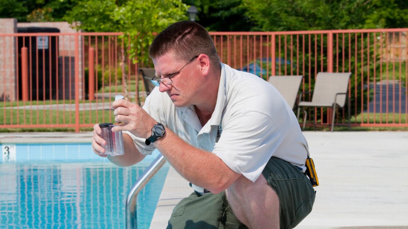 Acqua Azzurra Piscine piscine, tra igiene, pulizia e manutenzione: quando l'acqua