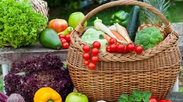 Mangiare bio: uno sguardo alla produzione, ai prezzi e alla varietà di alimenti