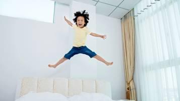 iperattività, bambini, bambino, saltare sul letto