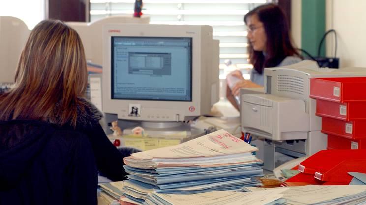 lavoro, terziario, ufficio, segretaria, impiegata, contratto di lavoro,