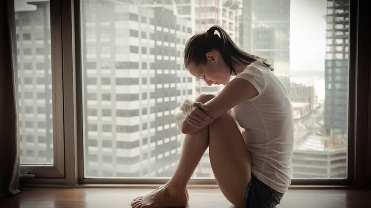 trauma psicologico. piangere, Rompere, Colpevolezza, Imbarazzo