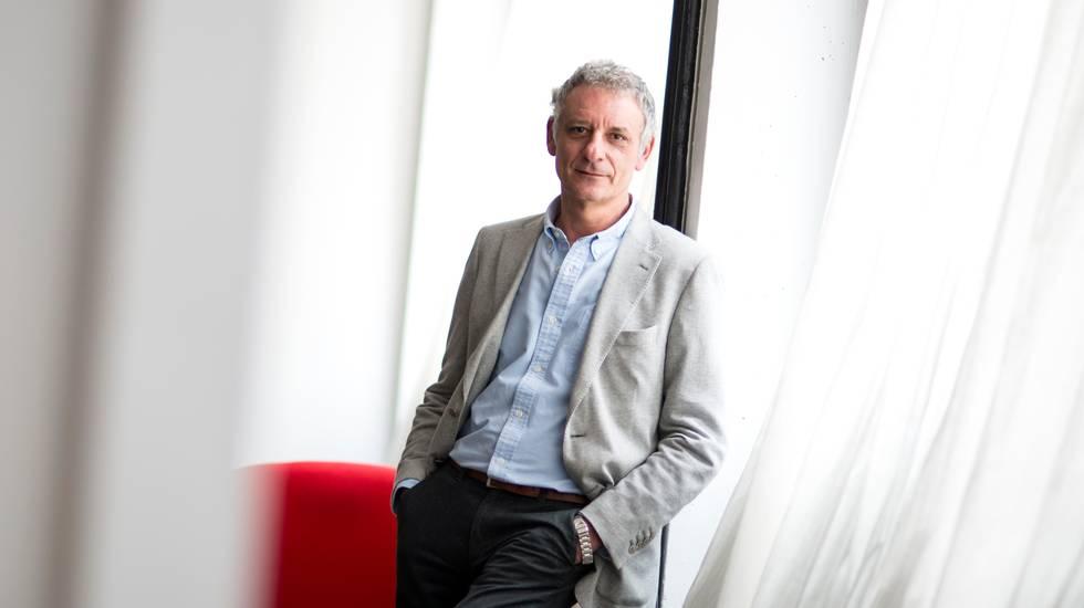 Alessandro Robecchi, giornalista, critico musicale e scrittore di successo