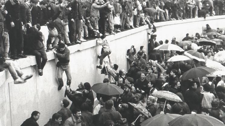 Caduta del muro di Berlino, dicembre 1989 Porta-Brandeburgo-Schaefer