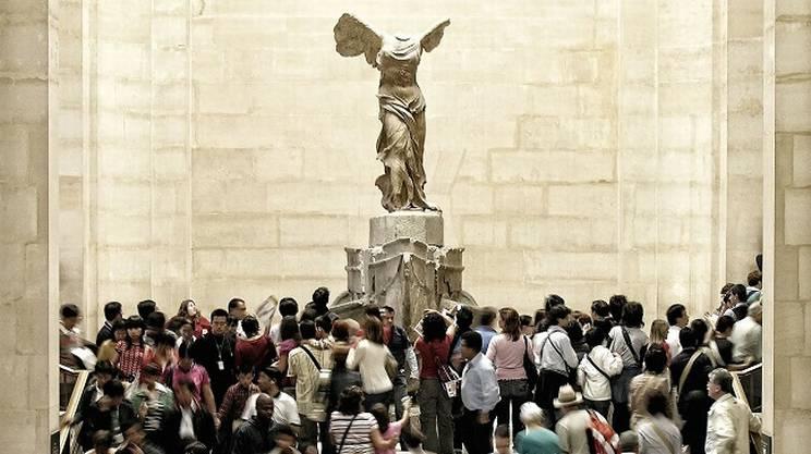 La splendida Nike di Samotracia al Louvre di Parigi