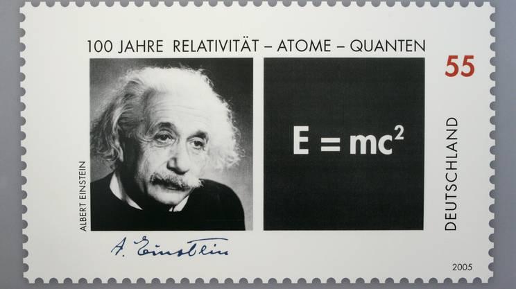 Un francobollo tedesco dedicato ai 100 anni della teoria