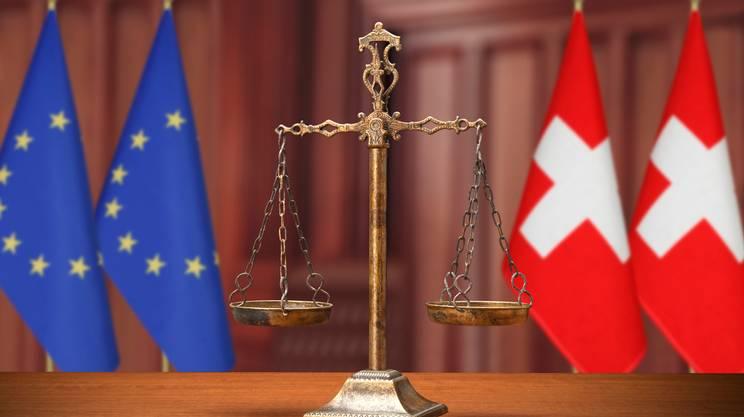 giudici stranieri, bandiera Svizzera, bandiera EU