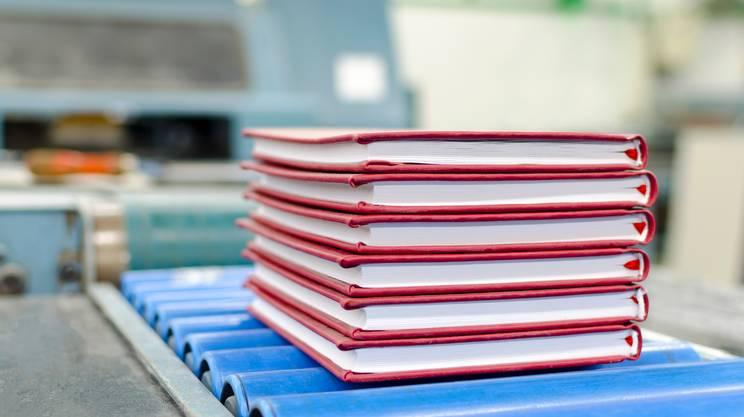 pubblicazione libro, dare alle stampe libro, pubblicare manoscritto