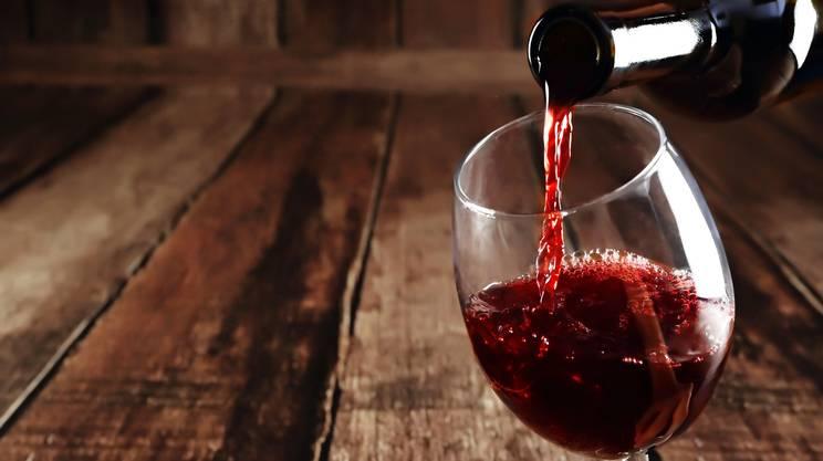 Degustare il vino rosso