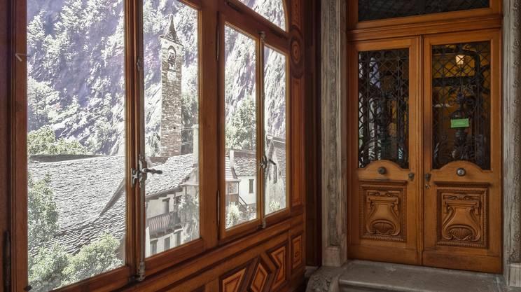 Entrata alla Villa Patumbah, con vista sulla Valle Bavona