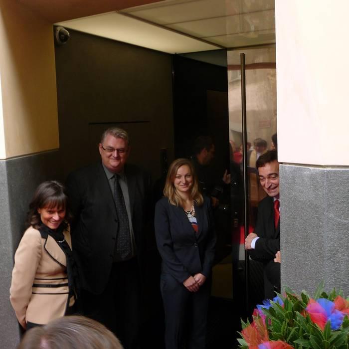 Giovanna Staub, site manager; Pascal Cattaneo sindaco di Meride; Alessia Vandelli, direttrice Museo dei fossili; Marco Borradori, capo Dipartimento ticinese del territorio (RSI)