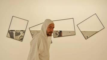 Il pianeta Solania e la legge del non con l'attore teatrale Francesco Mariotta