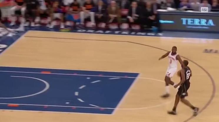 NBA l'incredibile volo di Giannis Antetokounmpo