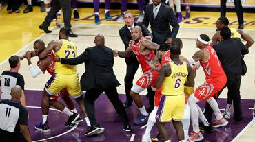 Houston e Capela superano i Lakers di James