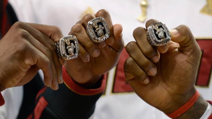 NBA, super team a caccia dei soliti noti