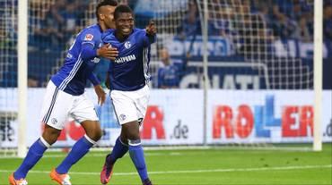 Embolo trascina lo Schalke al pareggio